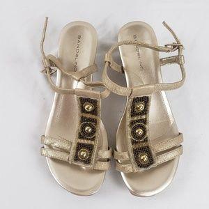 NWOB Bandolino gold wdge sandal